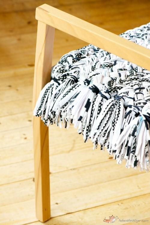 How To Make An Easy DIY Cushion