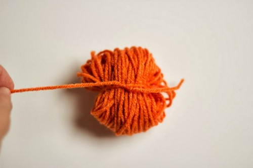How To Make Ayarn Pumpkin Garland