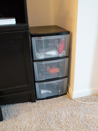 How To Make Cheap Plastic Chests Of Drawers Fit Your Interior Well