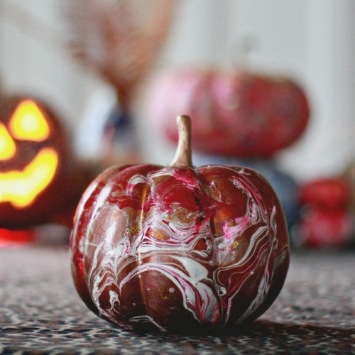 How To Make Marbelized Pumpkins