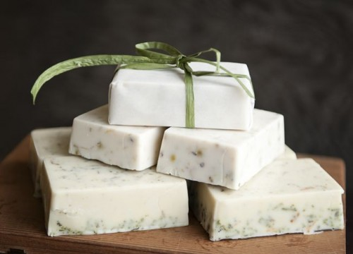 How To Make Pretty Eco-Friendly Soaps