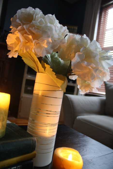 How To Make Simple Glass Vases Looks Modern Shelterness