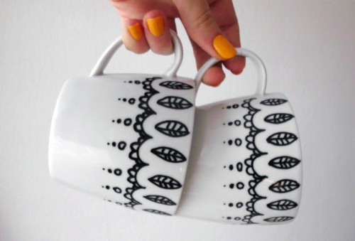 leaf patterned mugs
