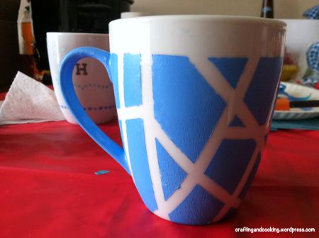 tape painted mugs (via craftingandcooking)