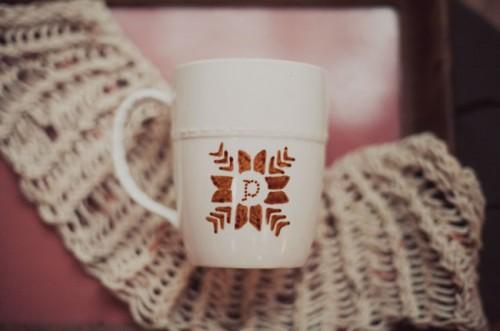 snowflakes mugs (via greenweddingshoes)