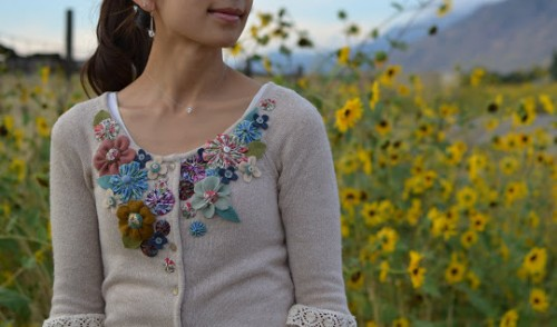 embellished flower cardigan (via tatertotsandjello)