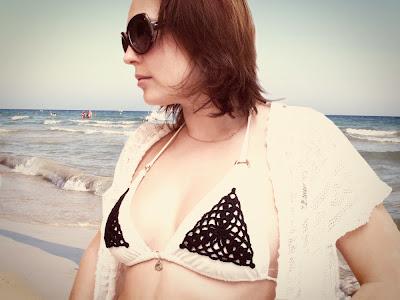 crochet bikini renewal  (via katrinshine)