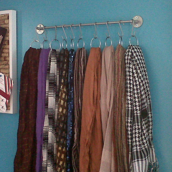 picture of how to store scarves