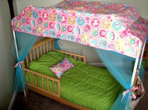 How to turn a bed into a canopy bed using pvc pipes for Diy baby crib canopy