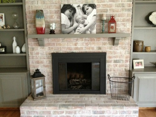 how to easily whitewash a fireplace (via infarrantlycreative)