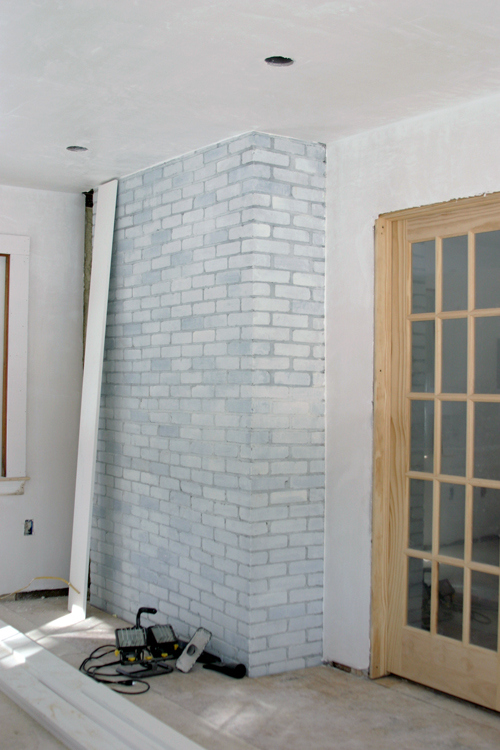 how to whitewash brick walls (via designlively)