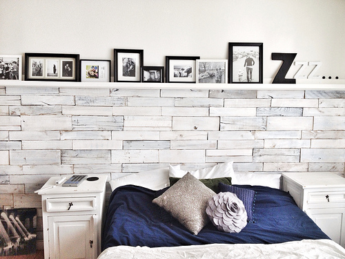 whitewashed wood pallets wall (via ourhouseofpaint)