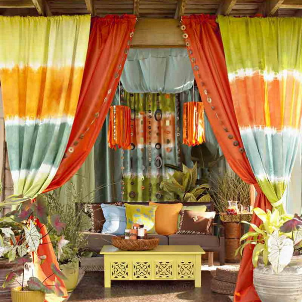 Ideas Of Fabric Decor In Your Garden