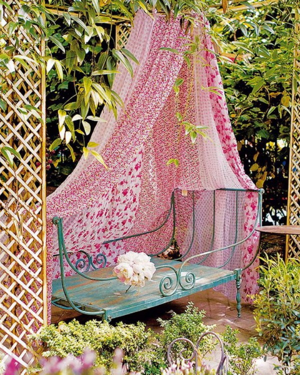 Picture Of Ideas Of Fabric Decor In Your Garden