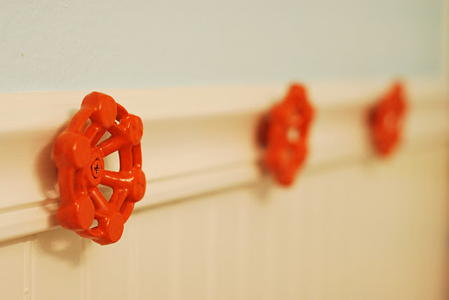 5 Ideas To Make Wall Hooks From Faucets