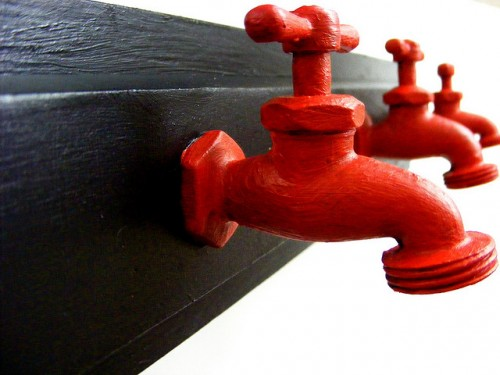 Water Spout Coat Rack (via flickr)