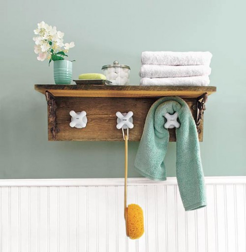 DIY Salvaged Faucet Handle Towel Rack (via apartmenttherapy)