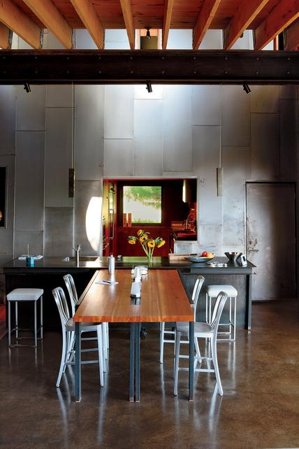 Picture Of Iron Beams In Interior Design