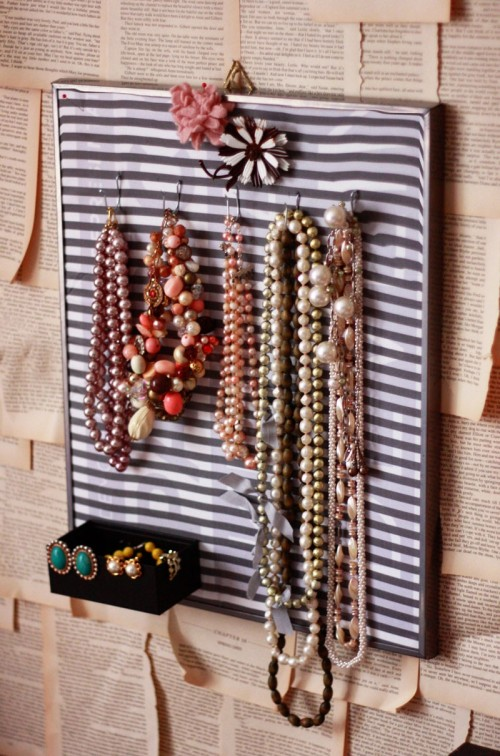 Jewelry Wall Holder Of Corrugated Plastic