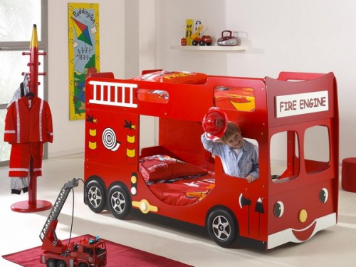 Awesome two-storey firetruck bed for a shared room.