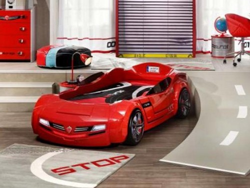 This is the kind of bed you need for this special racing kids room theme.