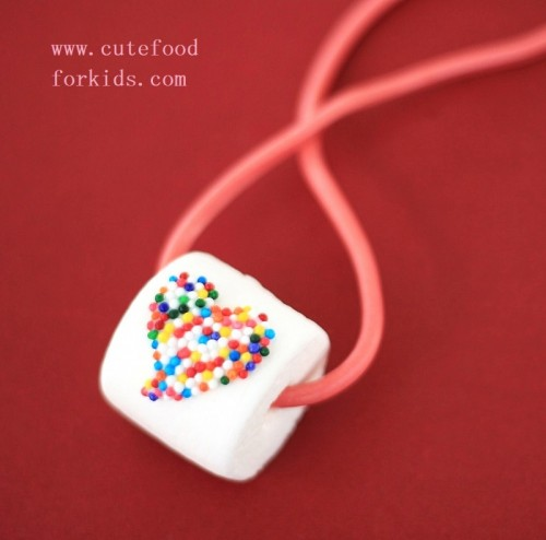 DIY candy necklace (via )