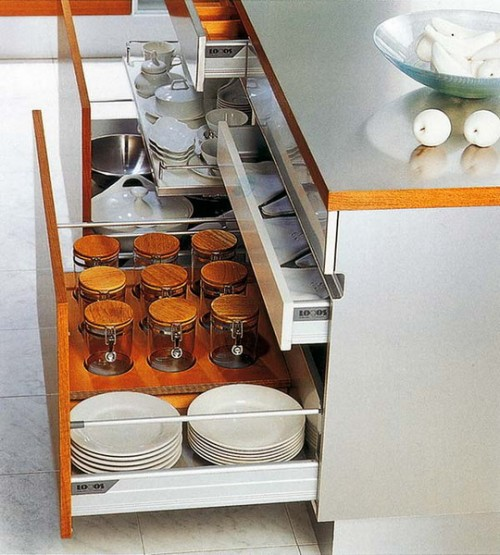 That's how you can have your dishes and cups always on hand.