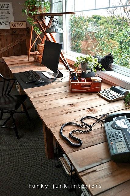 Large Diy Desk Made Of Wood Pallets