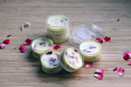 lavender lip balm (via mybakingaddiction)