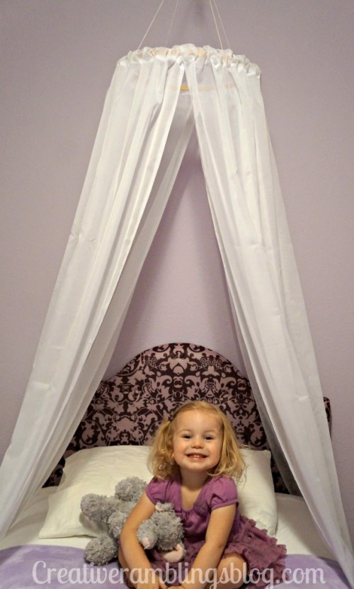 easy princess canopy (via creativeramblingsblog)