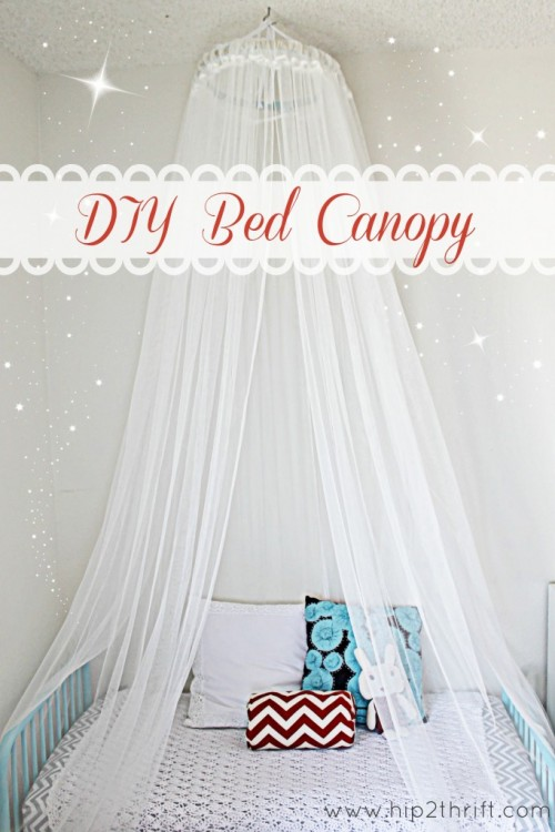 tulle bed canopy (via craftaholicsanonymous)