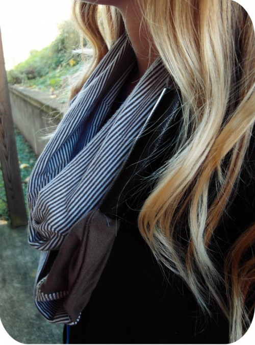 striped scarf (via sisterswhat)