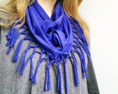 T-shirt scarf (via planb)
