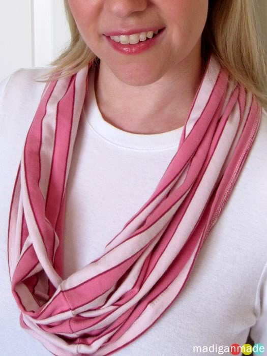 T shirt infinity scarf