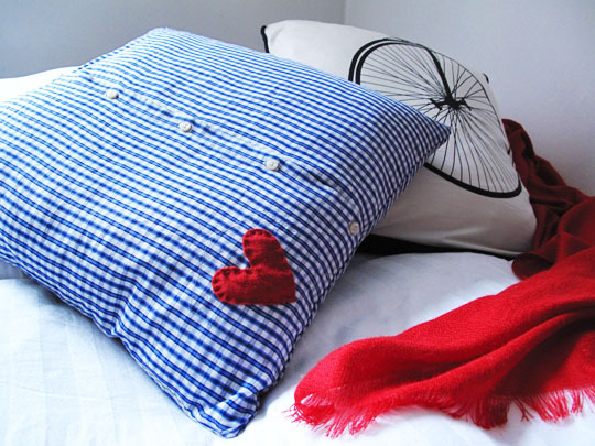 Lovely Diy Recycled Cushion For A Valentines Day