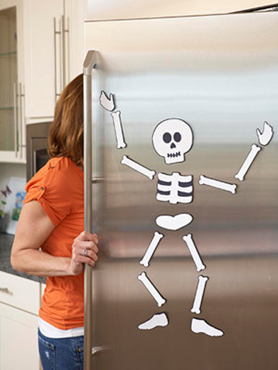 Creepy and Cute Skeleton Decoration for Your Fridge