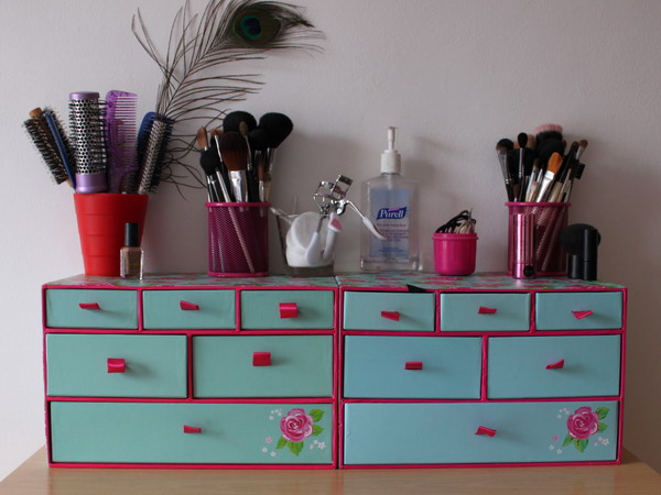 Picture Of Makeup Storage In Chest Of Drawers