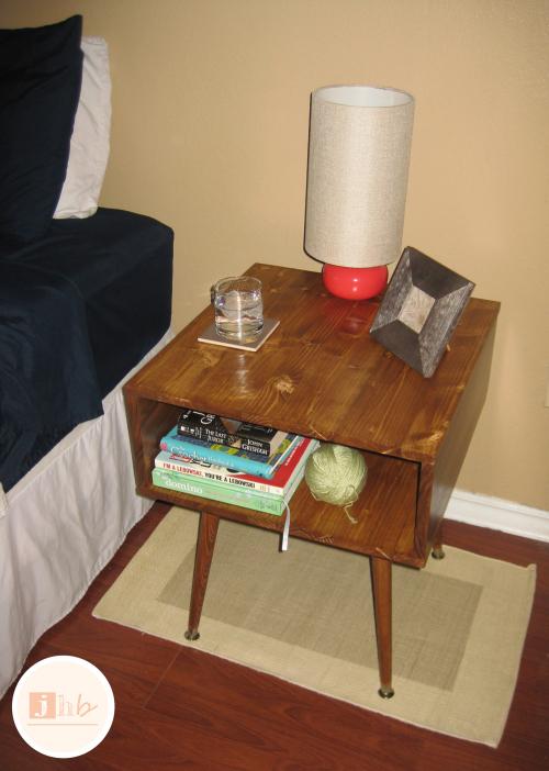 mid-century nightstand (via jamieshomeblog)