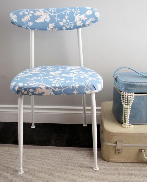 mid-century upholstered chair (via billiemonster)