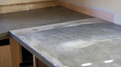 how to make a concrete countertop (via morelikehome)