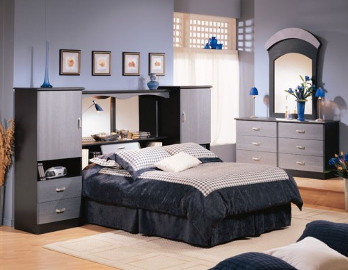 Headboard with a mirror and lots of built-in storage