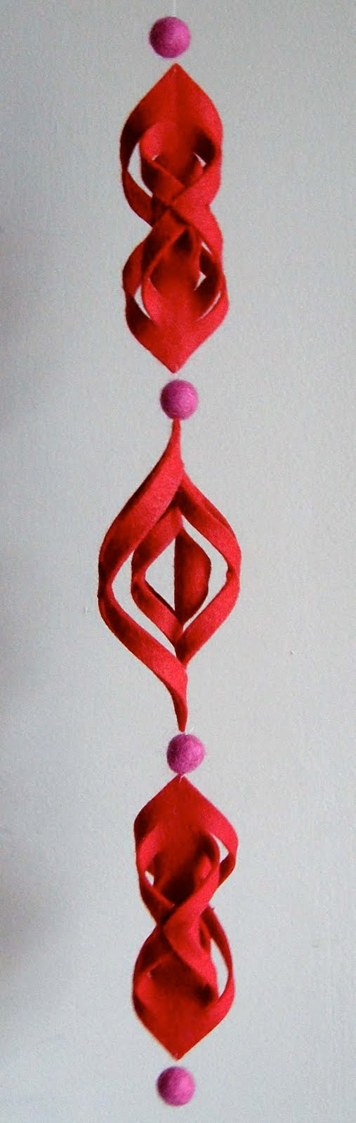 Homemade paper christmas decorations - Diy Paper And Felt Holiday Ornaments Modern Diy Ornament