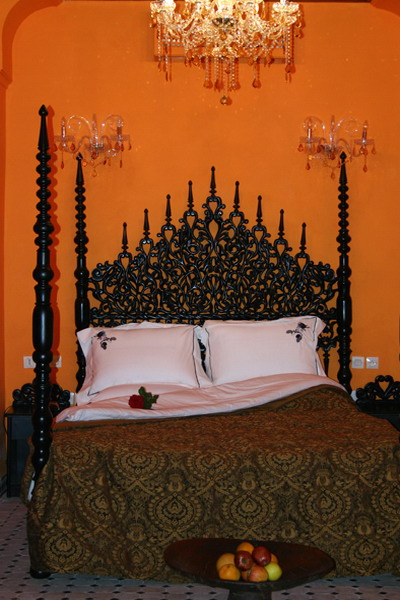 Moroccan Bedroom Decorating