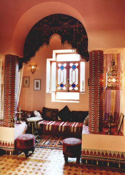 25 moroccan living room decorating ideas shelterness. Black Bedroom Furniture Sets. Home Design Ideas