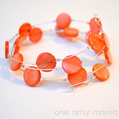 coral memory wire bracelet (via oneartsymama)