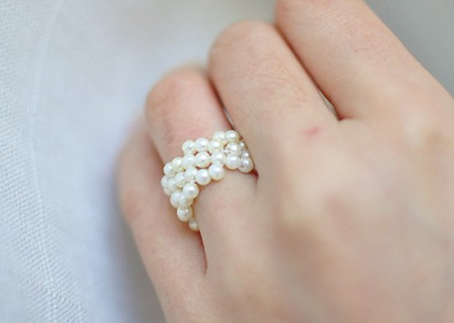 pearl ring (via thecheesethief)