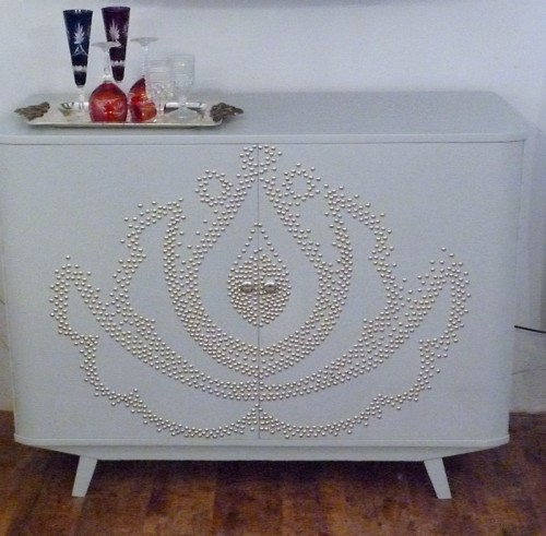 Before & After – Dresser Decorated With Upholstery Nails