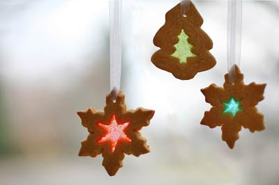 Homemade Stained Glass Cookie Ornaments (via simplyrecipes)