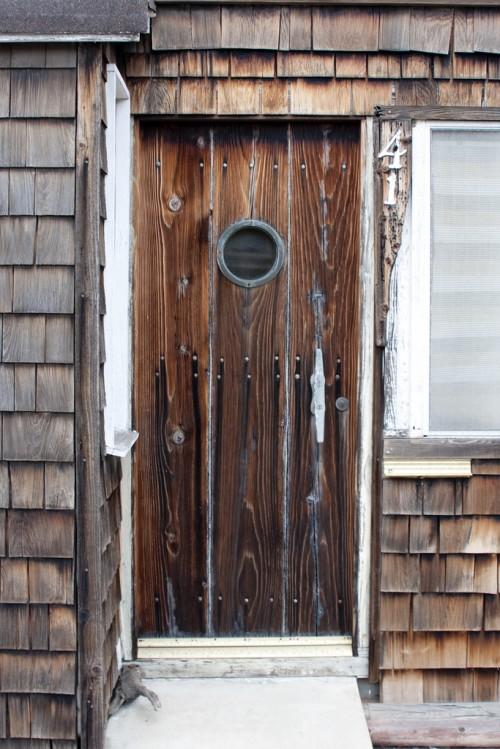 15 natural wood front door designs to inspire shelterness - Wooden front doors images ...