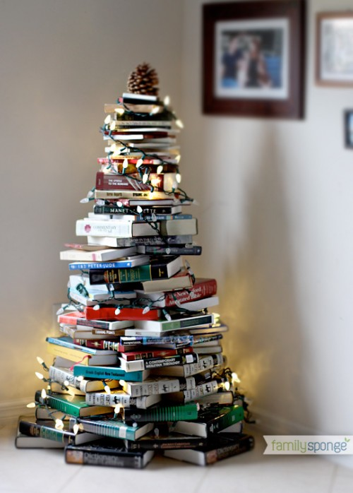Christmas tree of books (via shelterness)